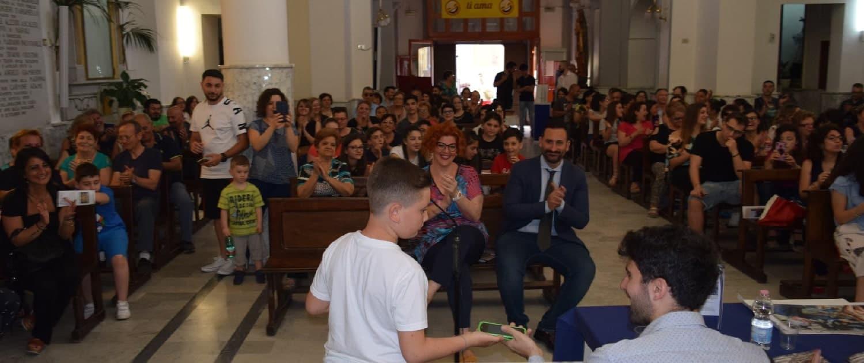 foto della prima edizione del premio cesare filangieri all'interno della cappella filangieri